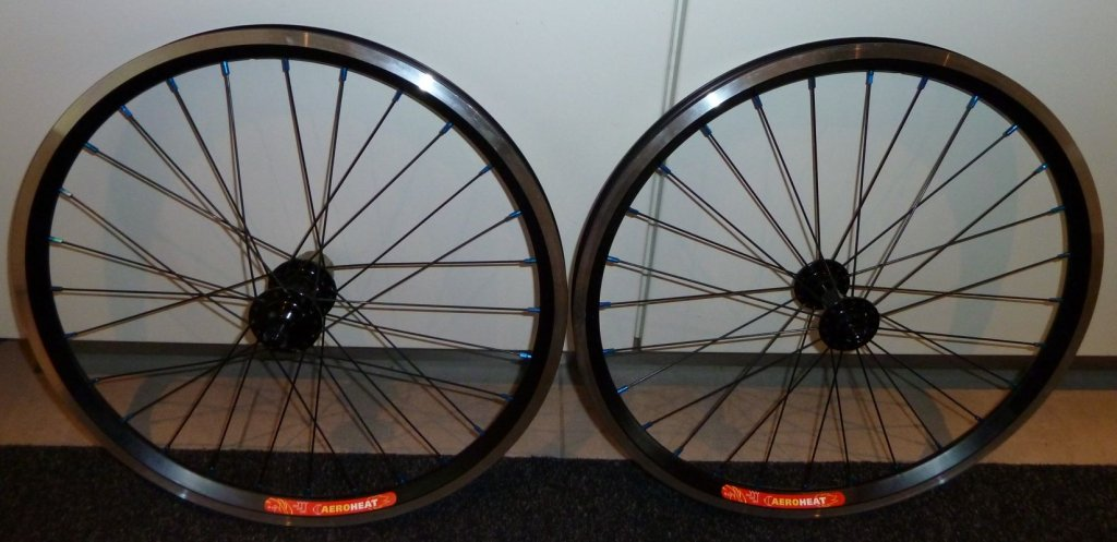 "Sub 20lb Commencal Ramones 20"" Project-wheels_1.jpg"