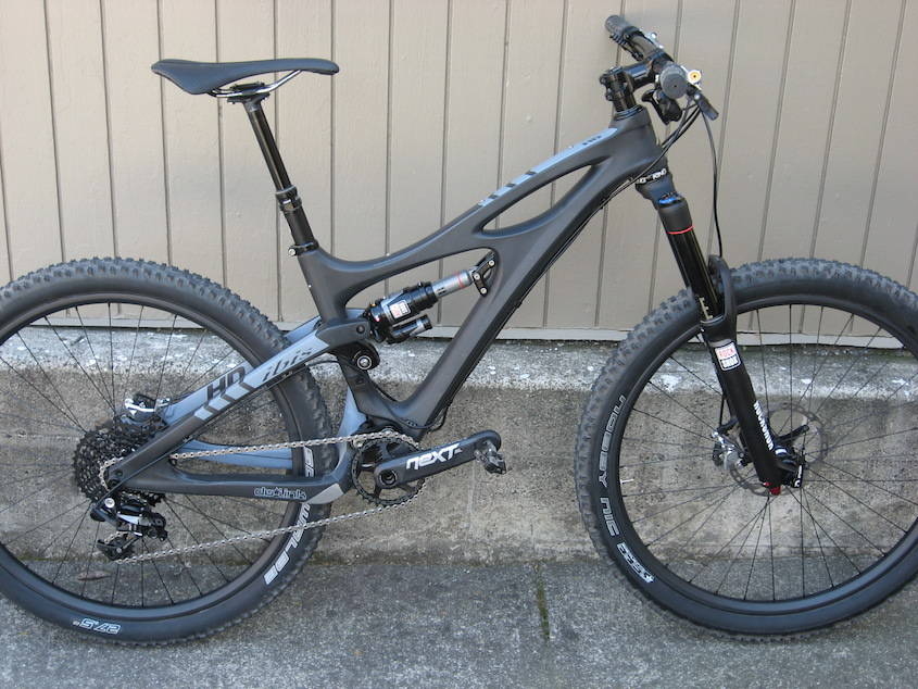 HD 140 with a 7.875-2.25 who has done it?-wholebike.jpg