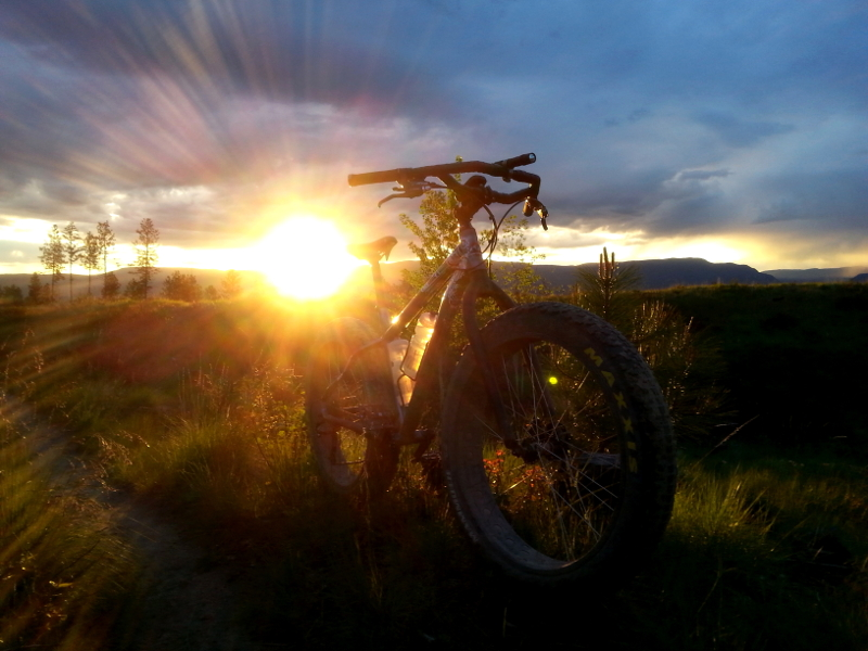 One picture, one line.  No whining. Something about YOUR last ride. [o]-wickedsunset.jpg