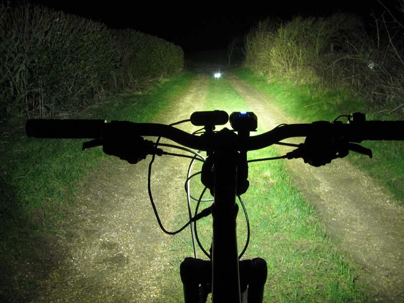 ITUO WIZ XP3 Triple XM- L2 U3 bike light-wiz20hs.jpg