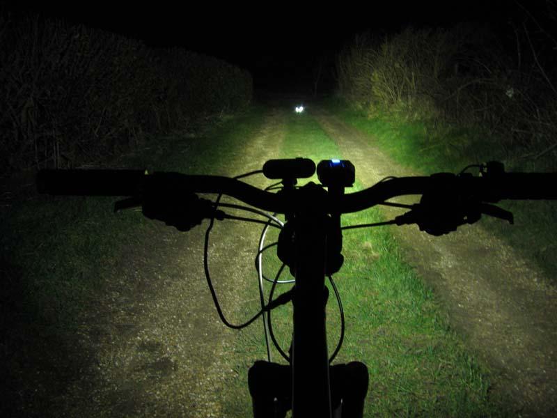 ITUO WIZ XP3 Triple XM- L2 U3 bike light-wiz20ls.jpg