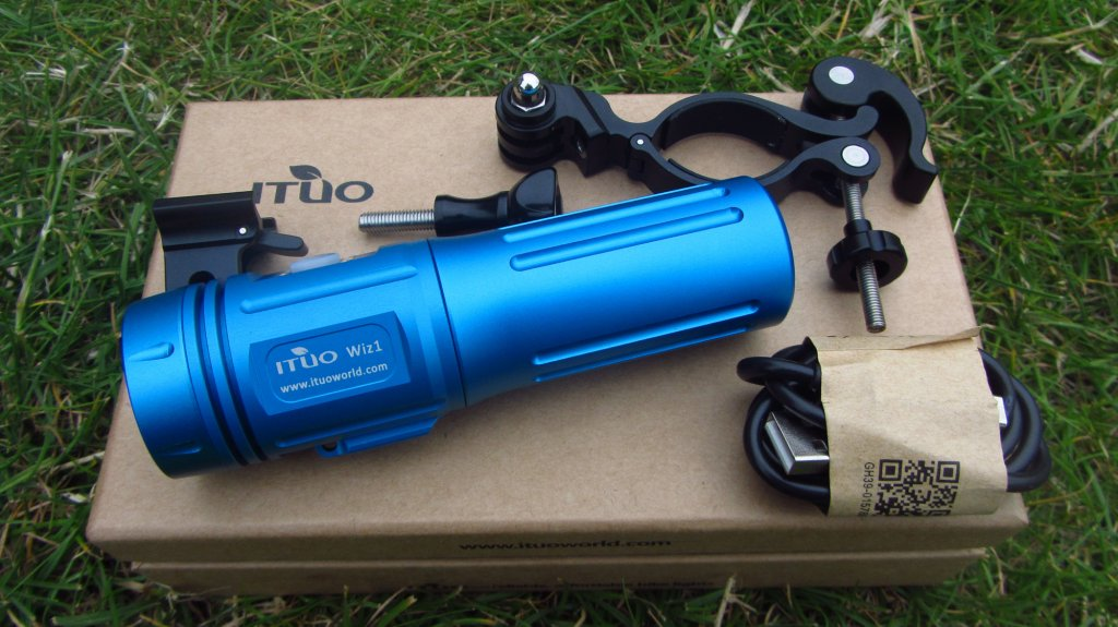 Full Review: ITUO WIZ 1 & 2 900 Lumens USB rechargeable and wireless bicycle light-wiz900-119-.jpg