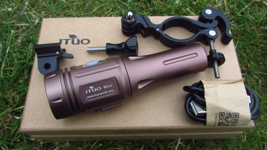 Full Review: ITUO WIZ 1 & 2 900 Lumens USB rechargeable and wireless bicycle light-wiz900-120-.jpg