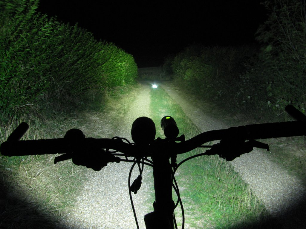 Full Review: ITUO WIZ 1 & 2 900 Lumens USB rechargeable and wireless bicycle light-wiz9004sprints.jpg