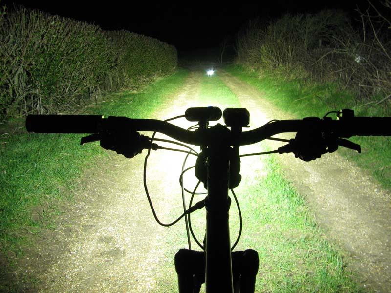 ITUO WIZ XP3 Triple XM- L2 U3 bike light-wizxp3hs.jpg