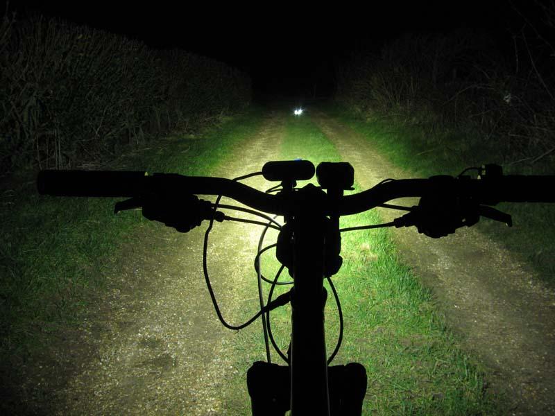 ITUO WIZ XP3 Triple XM- L2 U3 bike light-wizxp3ls.jpg