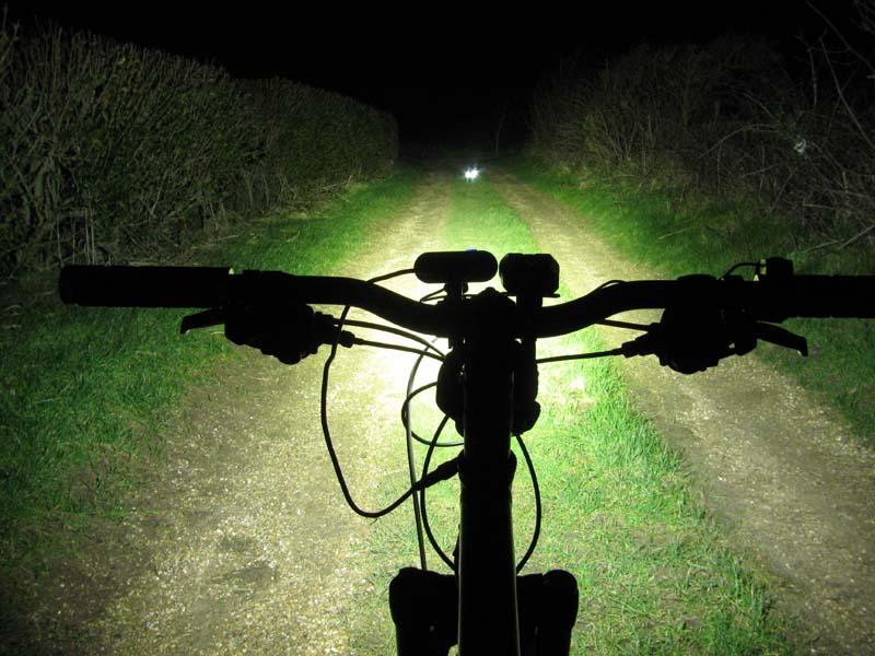 ITUO WIZ XP3 Triple XM- L2 U3 bike light-wizxp3ms.jpg