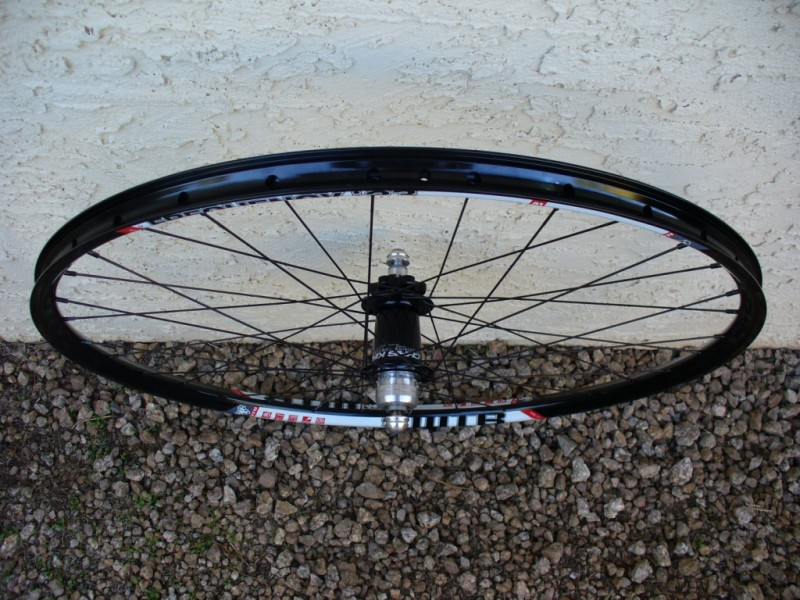 WTB Frequency i23 AM wheelset: alternative to Flow rims-wtb_frequencyi23_db14_ckisoss_rear_top.jpg