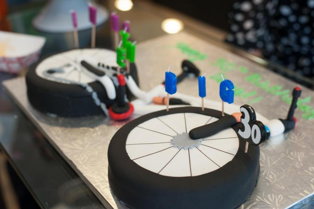 Mojo Birthday cake!-xxx_0159-small.jpg