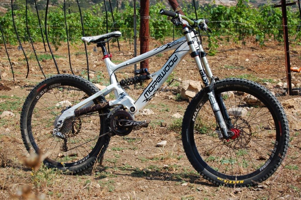 Lightest FR bike capable of resort DH that won't break me on the uphills...-zama_june_7_2011.jpg