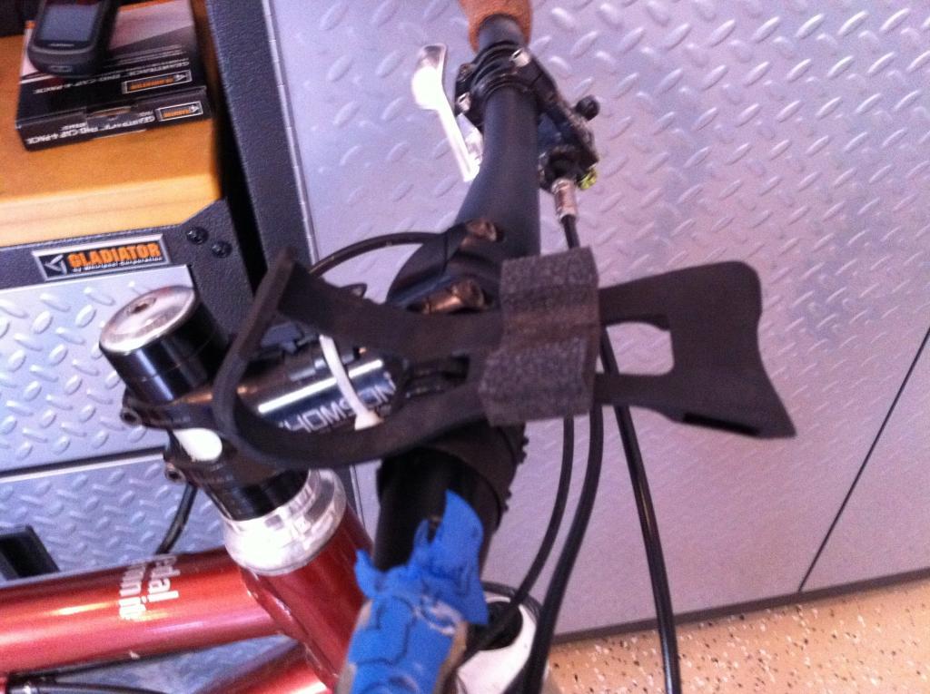 DIY mount for Etrex 30--Spare Parts-zip_tie2_foam.jpg