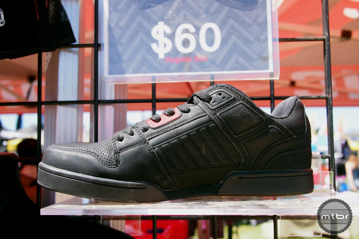 zoic-prophet-shoe