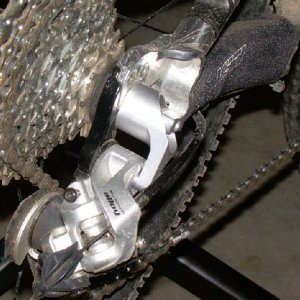 Issues with the rear derailleur on a 2004 575?